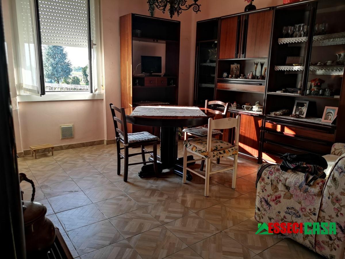 Appartamento in vendita a Calvenzano, 2 locali, prezzo € 48.000   CambioCasa.it