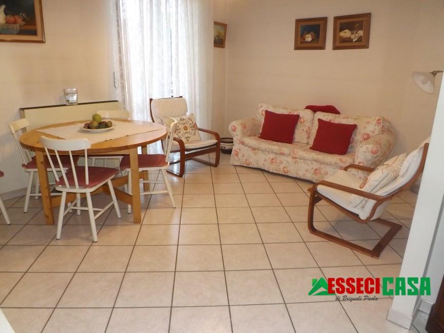 Appartamento in vendita a Casirate d'Adda, 3 locali, prezzo € 75.000 | CambioCasa.it