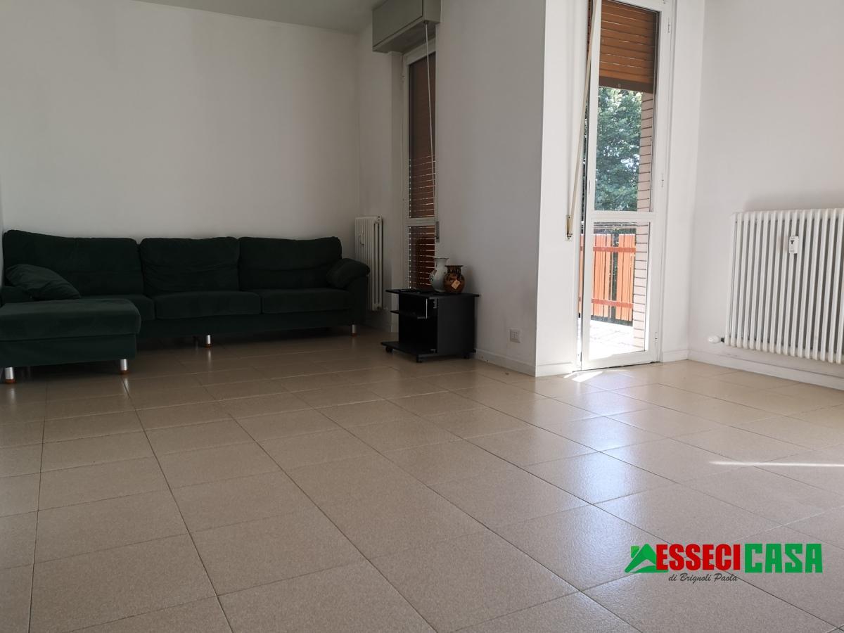 Appartamento in vendita a Calvenzano, 3 locali, prezzo € 75.000   CambioCasa.it