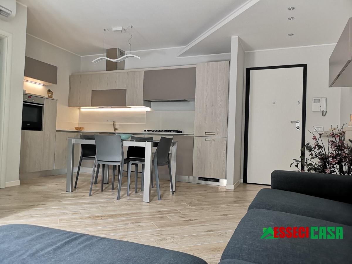Appartamento in vendita a Casirate d'Adda, 3 locali, prezzo € 119.000 | CambioCasa.it