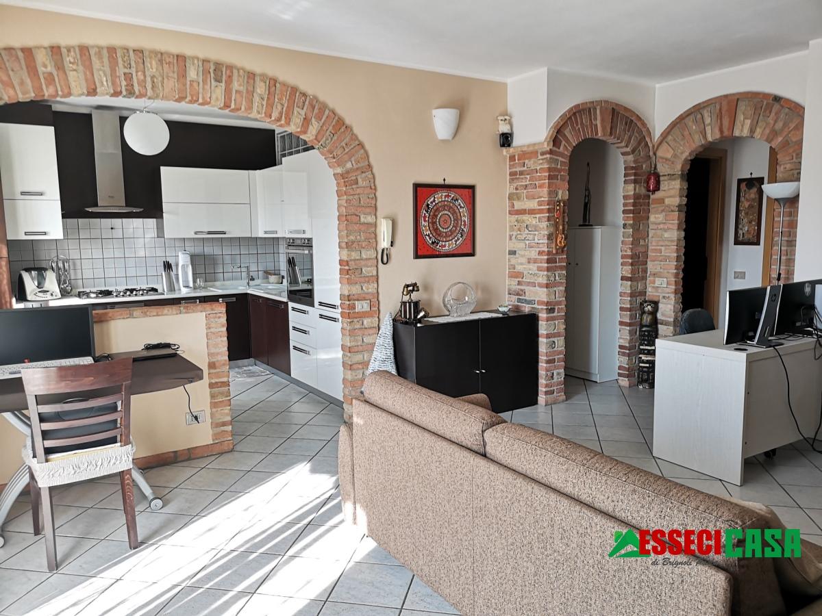 Appartamento in vendita a Vailate, 3 locali, prezzo € 135.000 | CambioCasa.it